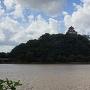 木曽川遊歩道から天守を望む
