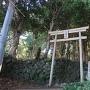 八幡宮鳥居と石垣
