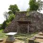 千石井戸と本丸口門の石垣