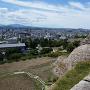 巻石垣と市街地遠望