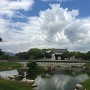 大池泉越しの本丸門