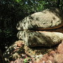 二の丸への坂の岩