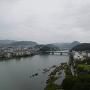 天守から犬山橋を眺める