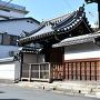 西福寺前の石碑と案内板