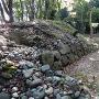 曲輪Ⅱ虎口(曲輪Ⅰ側)の破壊された石垣