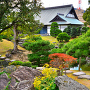 表御殿庭園、花崗岩くりぬき井戸の秋景