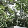 前田利長騎馬像