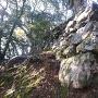 後瀬山城の本丸下の石垣