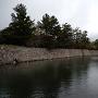 北惣門側の水堀と石垣