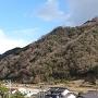 麓より、雲突城を仰ぐ。