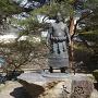 白石城内にあった白石市生まれの18代横綱<大砲万右衛門>像