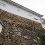 継ぎ目のある石垣(リの二渡櫓下)