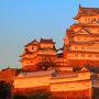 夕日を浴びる天守と渡櫓(2)