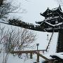 三重櫓入口より(2019冬、雪化粧)