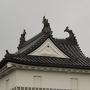 三階櫓の屋根にそびえる3尾の鯱