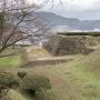 空堀と天守櫓跡