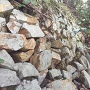 本丸跡下の石積み