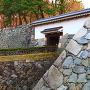 天守台と不明門付近の石垣
