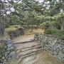 本丸の水の手側の虎口石垣