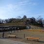 三の丸跡の新公園から見た模擬天守閣