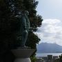 東郷平八郎像と桜島