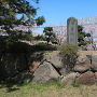 城跡碑と石垣