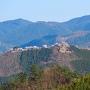 藤和峠から見る城址