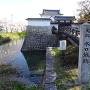 城跡碑と渡橋