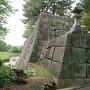 冠木御門と太鼓櫓の石垣