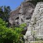巨石と石垣