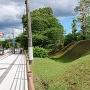 神社入り口の堀