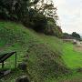 総構 山ノ神堀切西の土塁と空堀