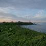 東側の岬から灯台方向