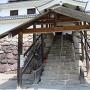 登城口の覆屋