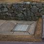 再現堀と城趾石垣