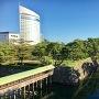 鞘橋と内堀水門(天守台より)