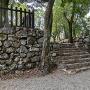 七曲門跡の石垣と石段
