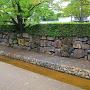 堀川沿いに残る西面石垣