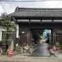 岡田記念館門