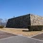 天守台石垣(南側多聞櫓跡から)