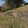 山頂に残る石垣