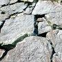 天守台横の石垣「刻印」