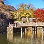 秋の大手門