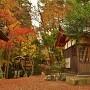 凉橋神社(城址北東部土塁上)