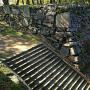 本丸の西門跡に接する弓櫓跡石垣