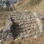 西櫓台の石垣、石段