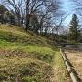 水堀脇の散策路