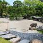 表御殿庭園 枯山水部分 石橋までの飛び石列