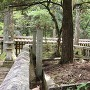 吉川元春墓石 側面からの撮影