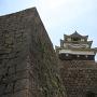 石垣の上の天守